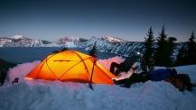 Топ 10 съвета за топло зимно къмпингуване