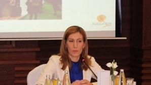 Министър Ангелкова: И това лято ще има проблеми на Корал, Карадере и Иракли