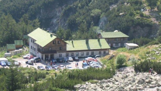 Официално: Разрешено е разполагането на до 10 палатки около хижите в Пирин
