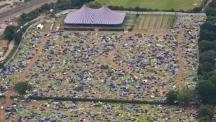 Снимка на деня: 60 000 палатки изоставени след Reading Festival във Великобритания