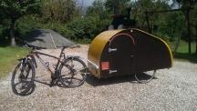 Самоделна каравана за велосипед (видео)