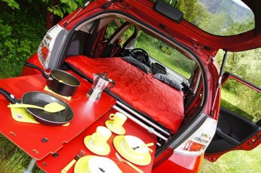 В духа на Swiss Army - модулна къмпинг система за автомобил