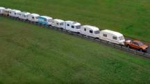 Видео на деня: Ford Ranger тегли 15 каравани
