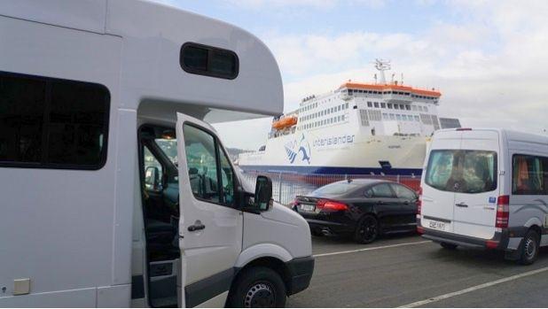 Стачка ще блокира фериботите в Гърция на 3 септември