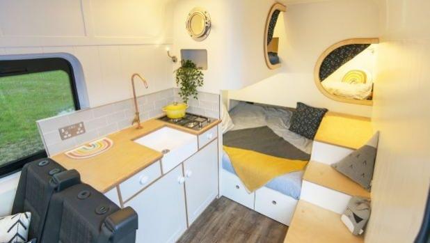Кемперван с 2 спални помещения