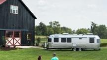 Airstream представиха новия си модел смарт каравана за 2020 г.