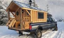 Направи си сам: Истинска дървена къща върху пикап