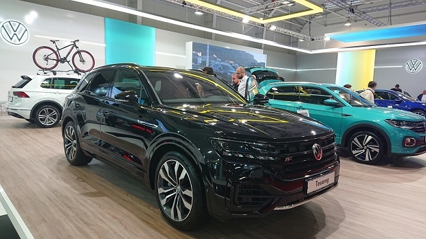 Автомобилен салон 2019