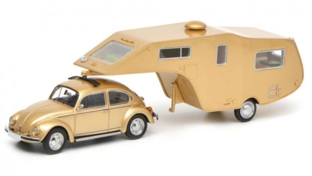 От архивите: 1974 VW Beetle + Camper